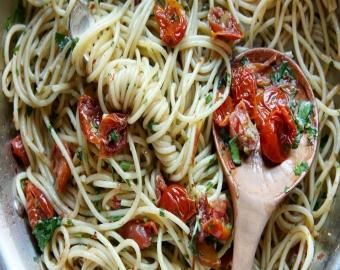 Fırında Kurutulmuş Domatesli Spaghettı