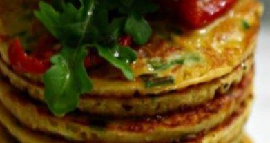 Domates, Frenk Soğanı ve Nohutlu Pankek (Vegan)